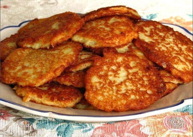 kartofelnye-draniki-ili-oladi-recepty-blinov-s-kartoshki