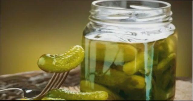 Засолка огурцов в 3 литровых банках на зиму - хрустящие, соленые огурцы