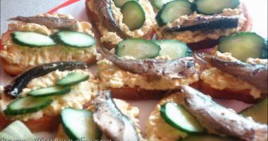 Бутерброды со шпротами — простые и красивые рецепты закуски на праздничный стол