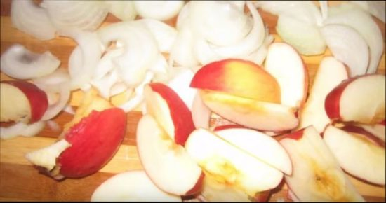 Для приготовления соуса из яблок