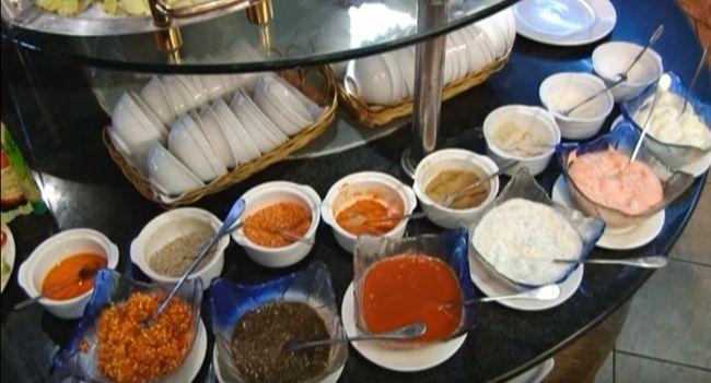 Различные виды масел, уксуса и соусов в китайской кухне
