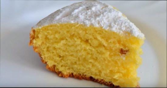 Пошаговый рецепт приготовления воздушного пирога из манки с кефиром