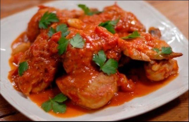 Обжаренная рыба в томатном соусе - маринаде