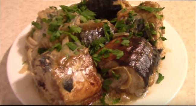Рыба, запеченная в духовке, в горчичном маринаде - соусе