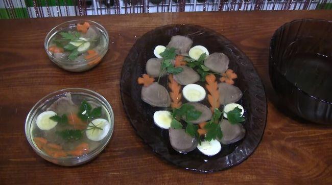 Заливное из языка - приготовление и оформление холодной закуски