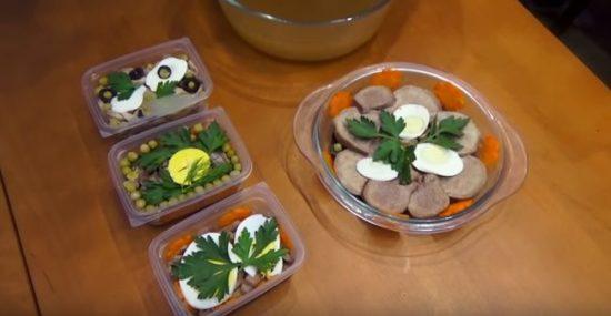 Рецепт заливного из языка с грибами