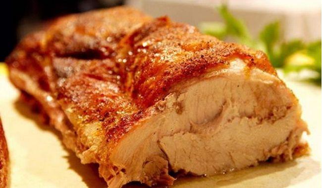 Свинина, запеченная в духовке — домашние рецепты
