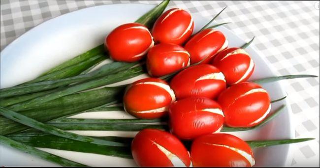 Оригинальный рецепт салата на праздник -«Тюльпаны»
