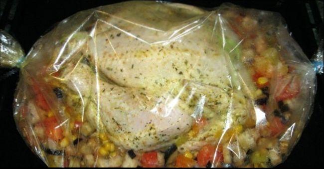 Курица в рукаве с овощами