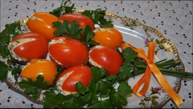 5 необычных, простых и вкусных рецептов салатов на 8 марта