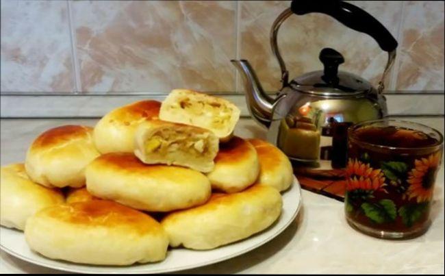 Пирожки с капустой приготовленные на сковороде или в духовке