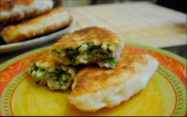 Обалденные пирожки с зеленым луком и яйцом