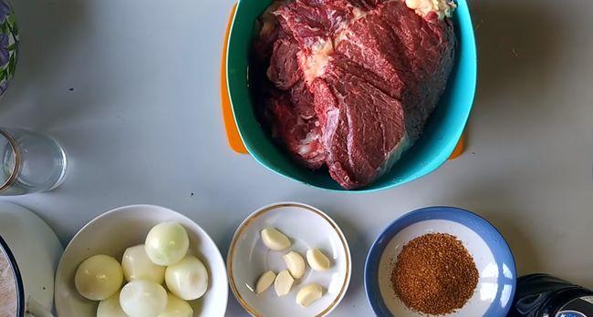 Как выбрать говядину и сделать шашлык мягким и сочным