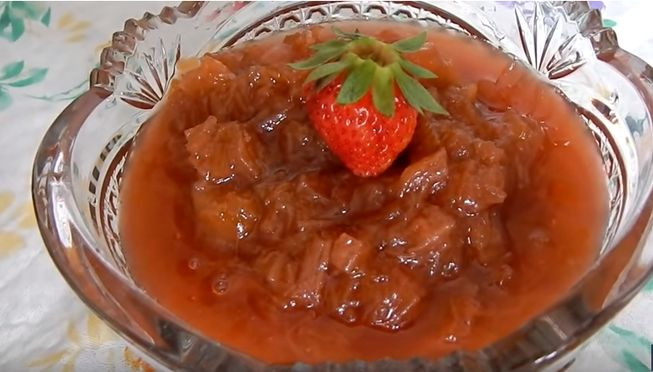 Варенье из ревеня - классический рецепт и приготовление на зиму с добавками