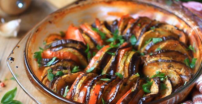 Классический овощной Рататуй запеченный в духовке
