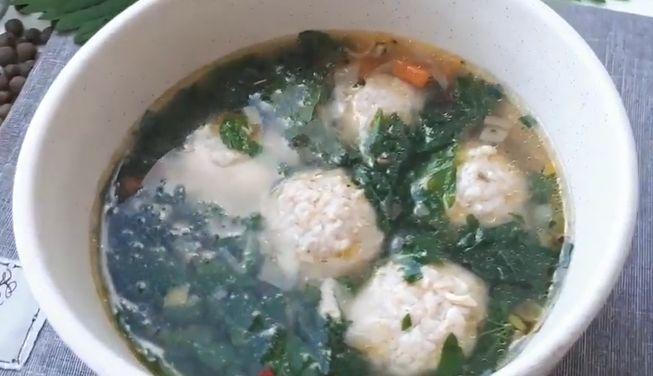 Летний суп из крапивы