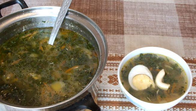 Простой и легкий крапивный суп - рецепт с яйцом