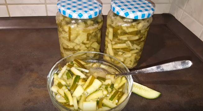 Закатываем на зиму салат из огурцов - рецепты пальчики оближешь