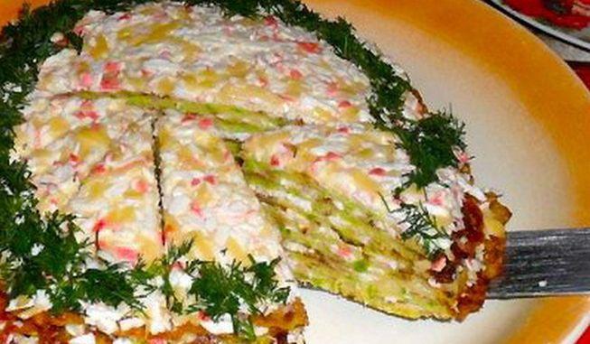 Вкусный торт с кабачками и крабовыми палочками