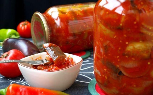 Рецепт простого лечо из огурцов с помидорами, морковью и сладким перцем
