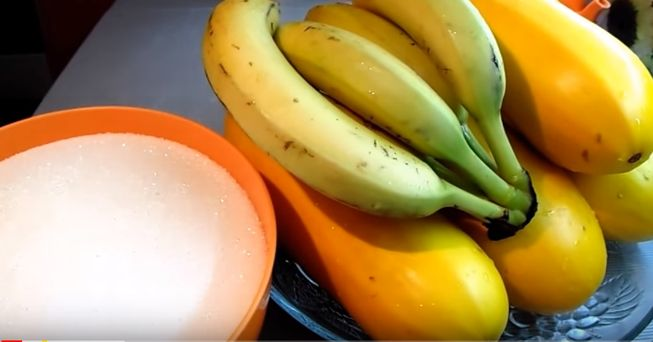 Сладкий десерт с кабачком и бананом