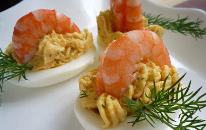 Яйца, фаршированные морепродуктами