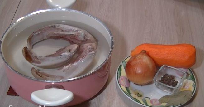 Как готовить заливнй язык с лимончиком и яйцами
