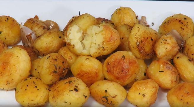 Запечённый картофель в духовке - 3 рецепта блюда