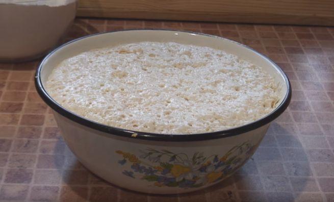готовить кулич на Пасху следует с приготовления заварного теста