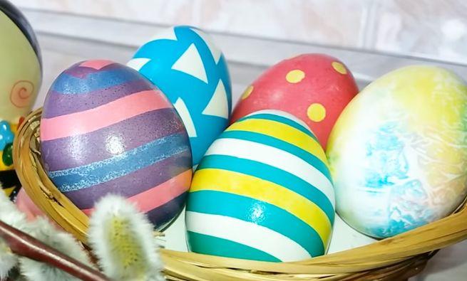 Как украсить вареные яйца к Пасхе